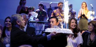 La torta de los 15 años de la institución solidaria