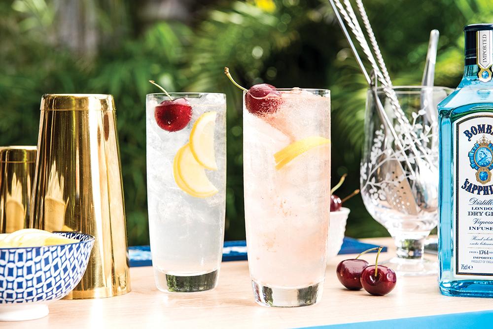 El Tom Collins mezcla gin, almíbar y jugo de limón.